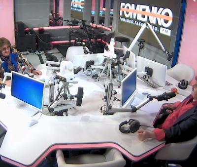 Fomenko Fake Radio: смотреть видео - «Разлинуй лист»